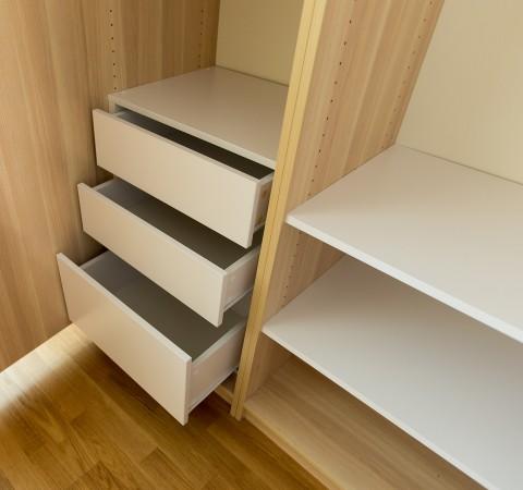 Шкаф-стеллаж распашной Практик