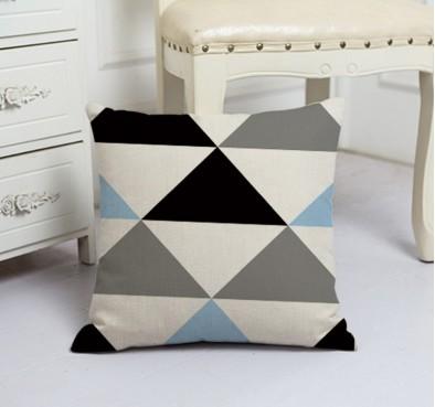 Подушка декоративная Треугольники
